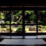 ガラス戸からの風景